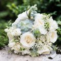 Des bouquets de mariées et des fleurs